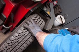 Auto repair wheel alignment